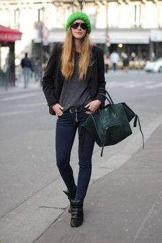 Winter: this is a winter look because of the colour pallet that is used, all the colours are dark except for the bright green hat which brings out the dark green purse.