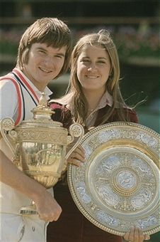Jimmy Connors & Chris Evert holding their Wimbledon trophies in 1974