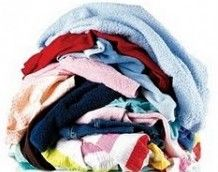 Waschtipps für Familien tips tips and tricks tips for big families tips for hard water tips for towels Homemade Dryer Sheets, Homemade Fabric Softener, Tips And Tricks, Doing Laundry, Laundry Hacks, Laundry Room, Laundry Powder, Basement Laundry, Grand Menage