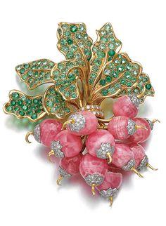 'Botte de Radis', René Boivin, 1985 Diseñado como un montón de rábano, compuesta de rodocrosita pulido, engastado con diamantes talla brillante, las hojas de conjunto con peridots circular de corte
