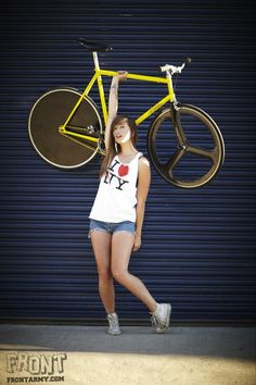 Loving this fixie Fixi Bike, Fixed Gear Bicycle, Bicycle Race, Bicycle Girl, Royal Enfield, Fixed Gear Girl, Honda, Female Cyclist, Push Bikes