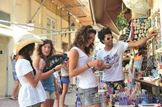 Malta Malta, Cowboy Hats, Fair Grounds, Activities, Fashion, Moda, Malt Beer, Fashion Styles, Fashion Illustrations
