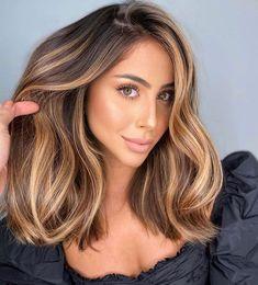 Brown Hair Balayage, Brown Blonde Hair, Hair Color Balayage, Brunette Hair, Hair Highlights, Bronde Balayage, Bronde Hair, Beautiful Hair Color, Hair Color And Cut