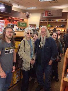 Alaskan bush people - Joshua Bam Bam Brown and parents shopping