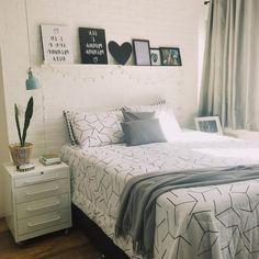 Cute Bedroom Decor, Apartment Living Room Design, Bedroom Design, Apartment Living Room, Small Flat Decor, Bedroom Decor, Bedroom Wall Colors, Home Decor, Room Ideas Bedroom