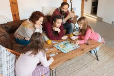 Entertaining kids is already a challenge under normal circumstances, but now that we're stuck home it's easy to run out of ideas... so here are some great ones to help you!