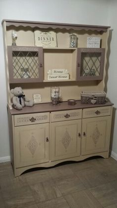 Dresser in Annie sloan old Ochre and coco