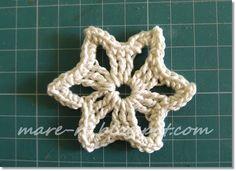 Christmas Star Ornament. Photo tutorial,   ☀CQ #crochet #crafts #DIY.  Thank you for sharing! ¯\_(ツ)_/¯