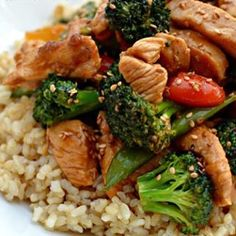 1 pound boneless skinless raw chicken breast, cut into 1-inch pieces 2 garlic cloves, minced 2 teaspoons ginger, minced 1 cup chicken broth 3 tablespoons soy sauce 2 teaspoons sugar or sub 2 cups veggies (I used broccoli, sugar snap peas, & bell peppers) 2 teaspoons cornstarch toasted sesame seeds…