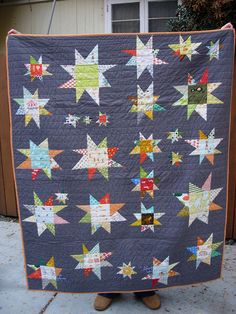 Baby quilt using Kona Coal and a variety of Heather Ross fabrics. Wonky stars of random sizes and then pieced together. Quilt Baby, Boy Quilts, Scrappy Quilts, Mini Quilts, Star Quilt Blocks, Star Quilt Patterns, Star Quilts, Quilting Projects, Quilting Designs