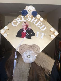 Struggling to figure out how to decorate a graduation cap? Get some inspiration from one of these clever DIY graduation cap ideas in These high school and college graduation cap decorations won't disappoint! Disney Graduation Cap, Funny Graduation Caps, Graduation Cap Designs, Graduation Cap Decoration, Graduation Diy, Graduation Pictures, Graduation Quotes, Graduation Announcements, Graduation Invitations