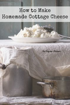 Homemade cottage cheese is creamy, fluffy, and delicious, and it's made with only 3 simple ingredients (click image for recipe via The Organic Prepper) Homemade Cottage Cheese, Cottage Cheese Recipes, Cottage Cheese Nutrition, Homemade Cheese, Lactose Free Cottage Cheese, New Recipes, Whole Food Recipes, Healthy Recipes, Milk Recipes