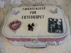 Da kommer endelig innelgget med førtehjelpskofferten jeg laget til min venninne, når hun giftet seg i sommer.   Kofferten har jeg kjøpt på ...