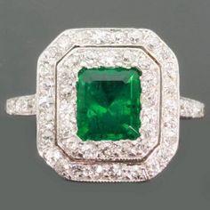 Deco Emerald Ring w. Diamonds