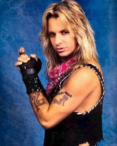 My Vince.,my god! Musical Hair, 80s Hair Bands, Vince Neil, Glam Metal, Nikki Sixx, Neil Young, Rock Music, Heavy Metal, Rock And Roll
