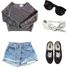 Cute outfit...love the chunky sweater paired with the shorts, Vans and Wayfarers