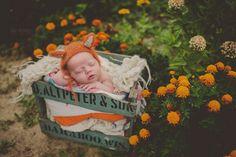 Outdoor newborn photography Wisconsin newborn photographer Blue Dandelion Photography