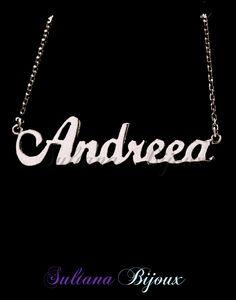 Colier din argint 925 personalizat cu numele ANDREEA. Realizam la comanda cu numele ales de d-voastra.  Lungime lant: 40 - 45 cm  Lantisor reglabil.  Numele se scrie cu litere caligrafice