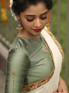 17 Ideas dress pattern indian blouse designs You are in the right place about kids blouse designs He Indian Blouse Designs, Kerala Saree Blouse Designs, Kids Blouse Designs, Saree Blouse Patterns, Designer Blouse Patterns, Blouse Neck Designs, Traditional Blouse Designs, Simple Blouse Designs, Designer Dresses