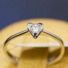 anello-solitario-cuore-oro-bianco-e-diamante-