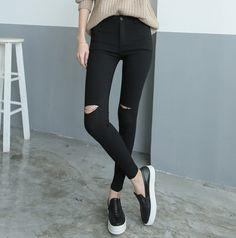 Joelho preto e branco Capris buraco fêmea 2015 nova personalidade rasgado Jeans Skinny mulheres pés pequenos calças lápis Plus Size S ~ 3XL em Jeans de Roupas e Acessórios no AliExpress.com | Alibaba Group