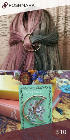1 HOUR SALE SHIPS TODAY!Cresent Moon Hair Clip New, Not muse refined this is unbranded Muse Refined Accessories Hair Accessories