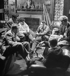 College fraternities of the past offered male bonding in a stylish setting. The photo above, plus the two below, are from Northwestern Unive. Hogwarts, Ivy Look, Ivy League Style, All The Young Dudes, Ivy Style, Dead Poets Society, Northwestern University, Old Money, The Secret History