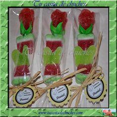 Brochetas rosas de gominolas personalizadas