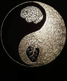Mind or Heart Yin & Yang Opposites Everybody is looking for happiness, but nobody really sees that when the karma gives the opportunity… Yin Yang Tattoos, Tatoo Ying Yang, Arte Yin Yang, Ying Y Yang, Yin Yang Art, Yin And Yang, Foto Art, Heart And Mind, Love And Light