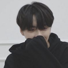 """""""some of you is not park seonghwa in soft black hoodie and black messy hair and that's not okay, fix it. Yg Entertainment, Jung Woo Young, Debut Ideas, S Icon, Cute Asian Guys, Kim Hongjoong, Cute Icons, Kpop, Seong"""