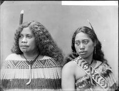 Mutu Brandon and Miriama Te Rangirunga - Photograph taken by William Henry Thomas Partington Polynesian People, Polynesian Culture, Nz History, Maori People, Maori Designs, Maori Art, Cultural Identity, Henry Thomas, Photos Of Women