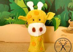 Felt So Good: Títere de dedo - Jirafa - Kichink! Felt finger puppet - giraffe Felt Puppets, Finger Puppets, Felt Food, Handmade Felt, Lana, Dinosaur Stuffed Animal, Christmas Ornaments, Knitting, Toys
