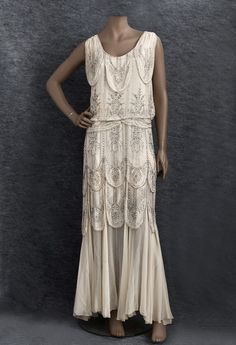Swoon...beautiful 1930s evening dress, perfect for a summer wedding