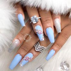 Baby Blue and White Nails Cindy s Cute Corner Light Blue Coffin Nails. Am Jettelag Claws Diy Acrylic Nails Matte. New Nail Art, Easy Nail Art, Cool Nail Art, Gold Nail Polish, Gold Nails, My Nails, Blue Stiletto Nails, Blue Coffin Nails, Blue Nails