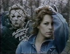 Jamie Lee Curtis stalked by Michael Myers SNL 1980 Bumper Photo Halloween Film, Halloween Series, Halloween Jamie, Halloween Ideas, Jamie Lee Curtis Young, Horror Themes, Horror Artwork, Horror Icons, Pose For The Camera