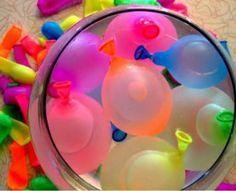 Brincadeiras com água – mas sem desperdício – divertem e refrescam a molecada. Confira o que fazer nas férias com as crianças durante os dias quentes de verão.