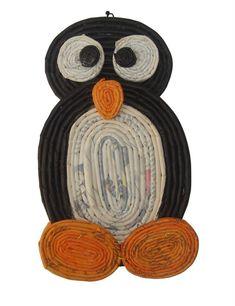 Book page penguin Weaving Projects, Craft Projects For Kids, Art Projects, Fall Crafts, Diy And Crafts, Paper Basket Weaving, Recycled Paper Crafts, Magazine Crafts, Newspaper Crafts