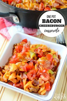 One Pot Bacon Cheeseburger Casserole that is absolutely delicious! This casserole is a perfect way to shake up your typical cheeseburger recipe! Ultimate Cheeseburger Recipe, Beef Recipes, Cooking Recipes, Burger Recipes, Easy Cooking, Yummy Recipes, Recipies, Yummy Food, Bacon Cheeseburger Casserole