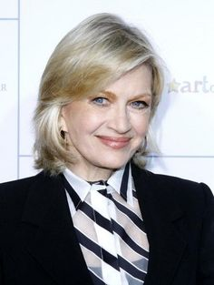 Diane Sawyer (born 1945) aging gracefully.  June 25, 2014, announces she is leaving anchor desk @ end of summer