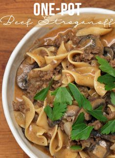 Here's A Quick And Easy Dinner Recipe For A One-Pot Beef Stroganoff