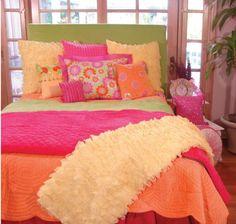 20 Tween Bedroom Decorating Ideas for Girls - Home Interior Design Ideas Teen Bedding Sets, Teen Girl Bedding, Teen Girl Bedrooms, Teen Rooms, Teen Bedroom Makeover, Bedroom Orange, Orange Bedding, Awesome Bedrooms, My New Room