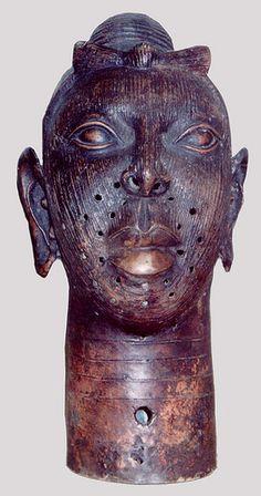 """En Ife, la antigua ciudad  y tierra natal de los yoruba, nació una obra escultórica única, una de las más asombrosas estéticamente y técnicamente más sofisticadas de África y del mundo. La """"Dinastía y divinidad: arte Ife de la antigua Nigeria"""" es la primera exposición exhaustiva sobre el arte de esta civilización de los siglos XII-XIV."""