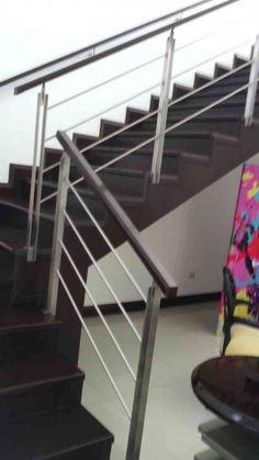 8 Ideas De Escalera De Piscina Pasamanos De Acero Pasamanos En Acero Inoxidable Barandas De Acero