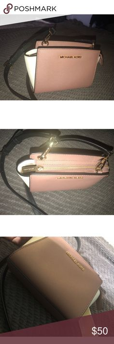 Authentic Michael Kors crossbody bag Worn once ! In newly perfect condition !  Nude / white cute little cross body purse perfect for a night out or to a club ! Michael Kors Bags Crossbody Bags