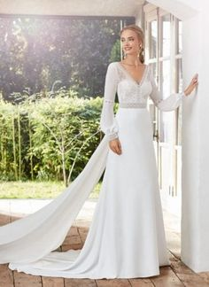 Whether simple, romantic or sensual, line A, princess or mermaid with lace or tulle . Discover your ideal wedding dress style among the many new Rosa Clara bridal designs - now available in your city!