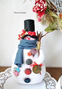Snowmen Christmas Arts And Crafts, Christmas Clay, Christmas Hearts, Handmade Christmas Decorations, Christmas Ornament Crafts, Christmas Sewing, Felt Ornaments, Xmas Decorations, Christmas Snowman