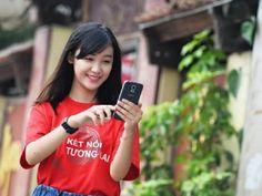 Để sử dụng được dịch vụ di động vệ tinh VinaPhone-S các thuê bao di động cần có thiết bị di động vệ tinh và Sim VinaPhone trả sau đã đăng ký dịch vụ VinaPhone-S là có thể sử dụng dịch vụ một cách dễ dàng.