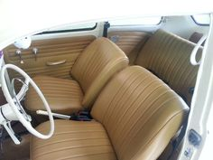Volkswagen Beetle Interior, Auto Upholstery, Vw Beetles, Interior Ideas, Childhood Memories, Car Seats, Interiors, Youtube, Classic Cars