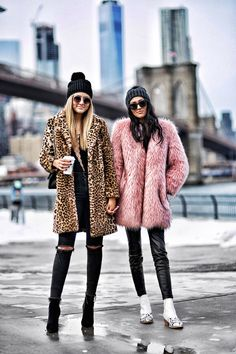 Best friends at the Brooklyn Bridge wearing a leopard coat and a pink faux fur coat Winter Coat Outfits, Winter Fashion Outfits, Autumn Fashion, Fur Coat Outfit, Fur Coat Fashion, Coat Dress, Pink Faux Fur Coat, Leopard Coat, Faux Fur Coats