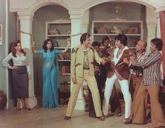 helen zeenat aman prem chopra and amitabh bachchan Hindi Movie Video, Yash Johar, Amrish Puri, 1980 Films, Play Quiz, Hindi Movies Online, Amitabh Bachchan, Home Movies, Drama Film